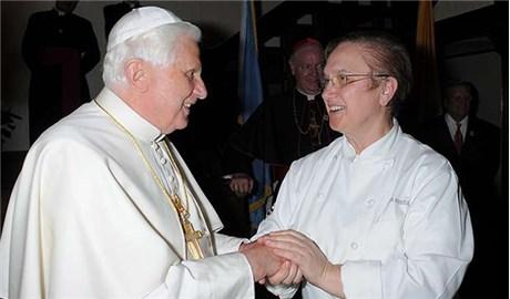 Nữ đầu bếp từng nấu đãi hai vị Giáo Hoàng