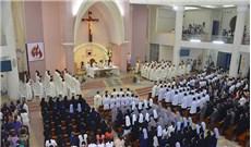 Ðà Lạt chia vui với  Ðức tân Giám mục