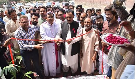 Nhà thờ đầu tiên trong khuôn viên đại học tại Pakistan