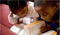 Ðể Kinh Thánh trở nên thân quen với thiếu nhi