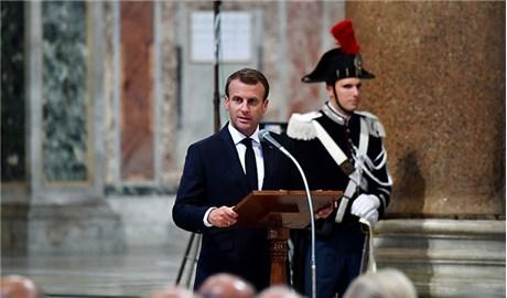 Tổng thống Pháp nhận tước hiệu Kinh sĩ danh dự