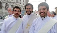 Khi anh em sinh đôi trở thành linh mục (P2)