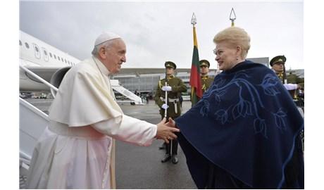 Đức Thánh Cha bắt đầu viếng thăm