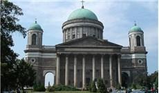Chính phủ Hungary tài trợ trùng tu nhà thờ Chánh tòa Esztergom