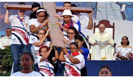 400.000 bạn trẻ đi đàng Thánh giá cùng Đức Giáo Hoàng