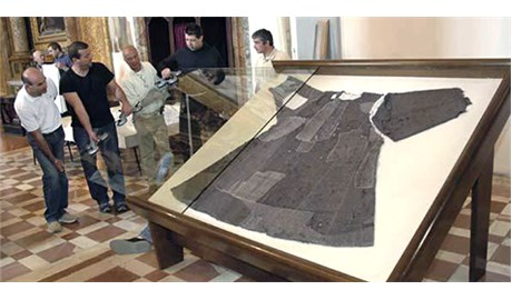 Áo chùng của  thánh Phanxicô thành Assisi