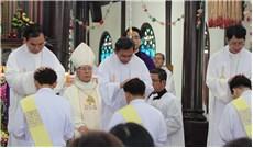 Làm linh mục và là linh mục rất khác nhau