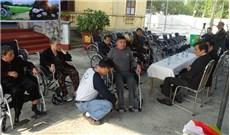 Ðồng hành với người khuyết tật