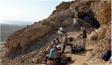 Săn lùng các cuộn giấy Biển Chết