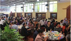 Tòa Giám mục Lạng Sơn tổ chức gặp mặt và trao tặng bữa ăn huynh đệ