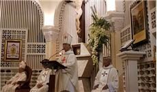Con người linh mục như chiếc bình sành dễ vỡ