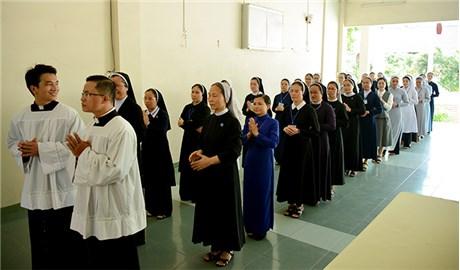 Khai giảng khóa thần học hè liên tu sĩ
