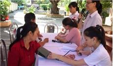 Caritas giáo phận Hải Phòng tổ chức khám bệnh, tư vấn sức khỏe và phát thuốc miễn phí