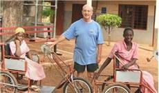Xe ba bánh người khuyết tật