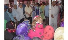 Hai vị Hồng y thăm trại tị nạn ở Bangladesh