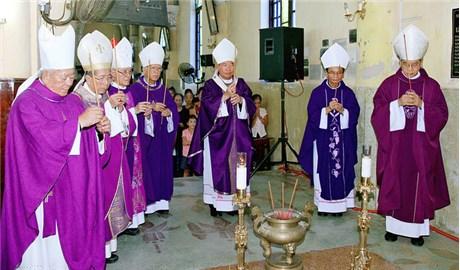 Lễ giỗ 10 năm Đức cha Phaolô Lê Ðắc Trọng