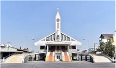 Khánh thành ngôi nhà thờ được nâng cao thêm 2 mét