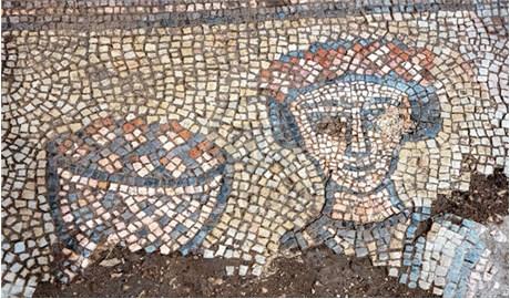 Bức tranh khảm 1.600 năm tuổi ở nhà thờ cổ