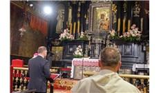 Tổng thống Ba Lan cầu nguyện Đức Mẹ giữa đại dịch Covid-19