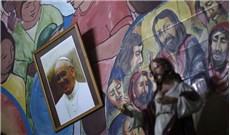 Các linh mục Argentina giúp chống dịch tại khu ổ chuột