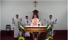 Ðức TGM Giuse Nguyễn Năng mừng 30 năm linh mục