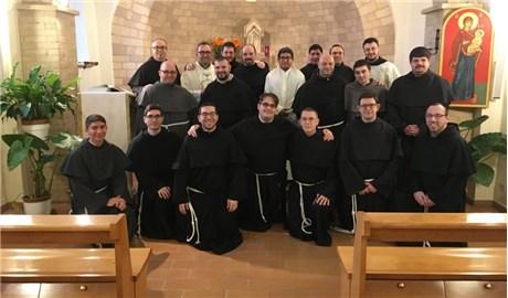 Dòng Phanxicô ở Assisi gây quỹ giúp người khốn khó vì đại dịch