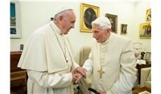 Đức Phanxicô chia buồn với Đức Bênêđictô XVI