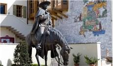 """""""Nhà  truyền giáo  trên lưng ngựa"""" và niềm đam mê khoa học"""