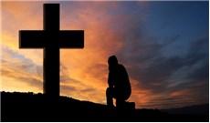 Vì tình yêu mà thập giá trở thành Thánh giá