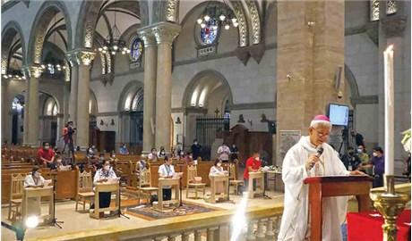 Mở cửa trở lại nhà thờ Chánh tòa Manila