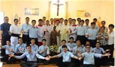 Dòng nước ngoài và nỗ lực dấn thân tại Việt Nam