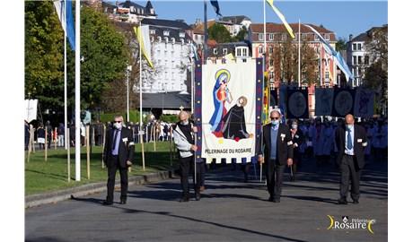 Lễ Đức Mẹ Mân Côi tại Đền thánh Lộ Đức, Pháp