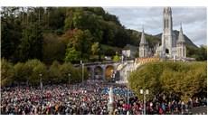 Kết thúc kỳ hành hương Mân Côi tại Đền thánh Lộ Đức, Pháp