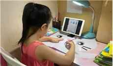 Khi ba mẹ cùng con học trực tuyến