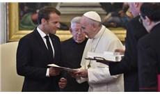 Đức Thánh Cha điện đàm với Tổng thống Pháp