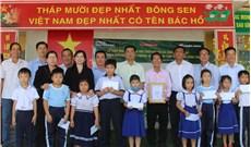 Báo Vông giáo và Dân tộc trao 100 suất học bổng