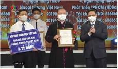 Hội đồng Giám mục Việt Nam tặng 3 tỷ đồng vào Quỹ Vắc xin phòng Covid-19