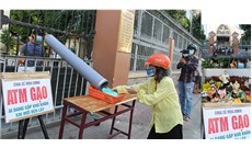"""""""ATM lướt ống"""" ở giáo xứ Tân Sa Châu"""