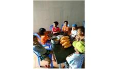 Bếp cơm bác ái cho trẻ em dân tộc thiểu số nghèo giữa mùa dịch