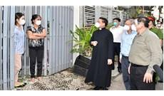 Thủ tướng Phạm Minh Chính thăm giáo xứ Tân Mai