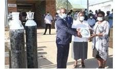 Đại học Công giáo quyên góp cho bệnh viện tại Malawi