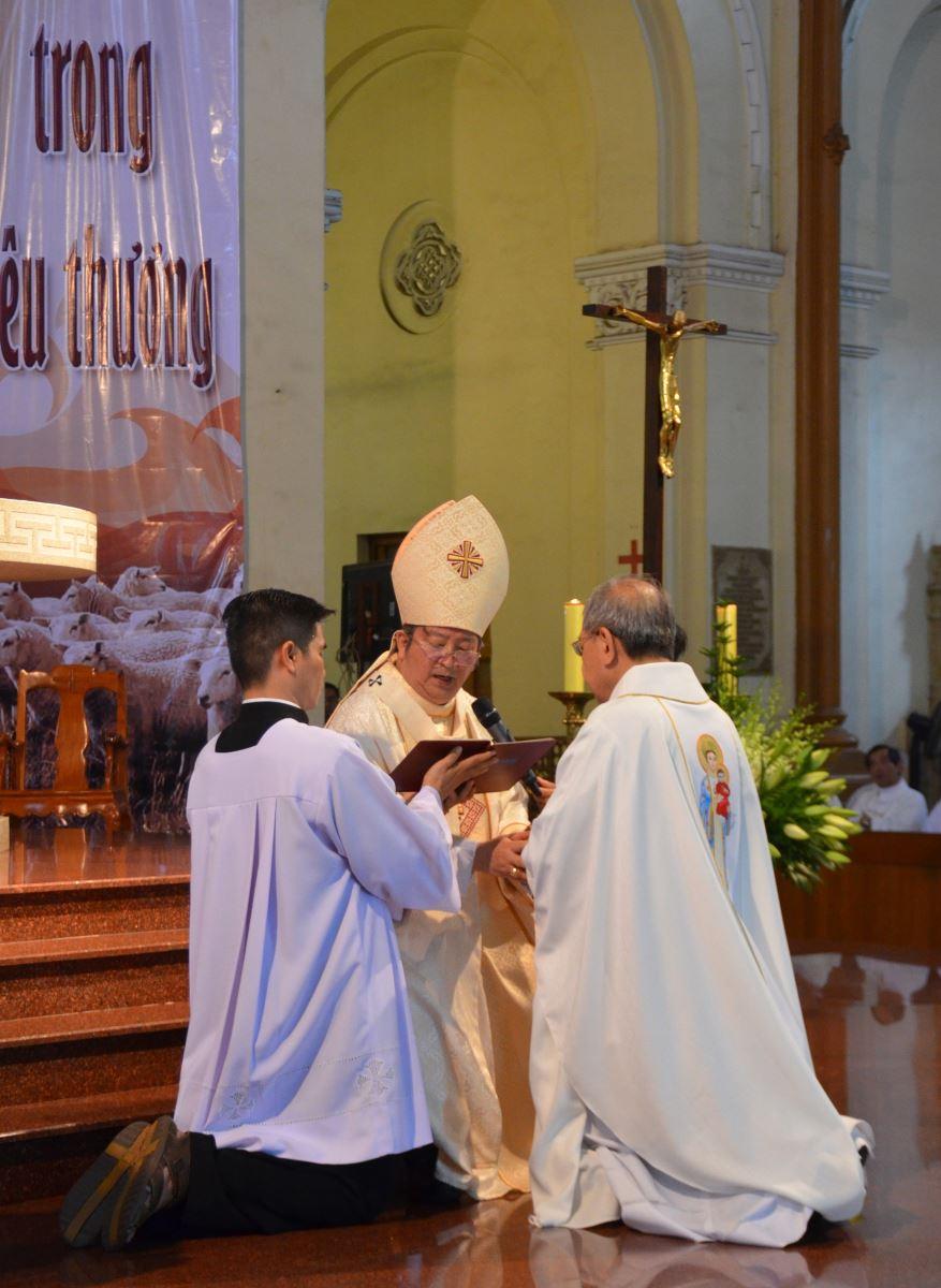 Cha sở thể hiện sự quyết tâm trước vị chủ chăn trong sứ vụ mới được giao phó