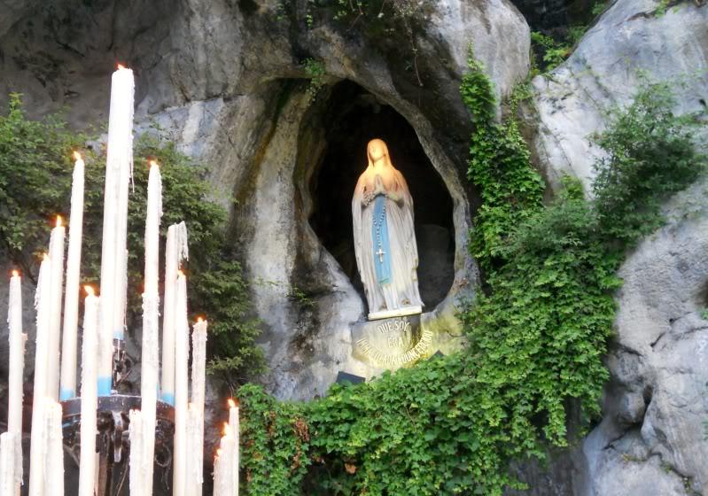 18 lần Đức Mẹ hiện ra với Bernadette tại hang Massabielle - Lộ Đức (P1)