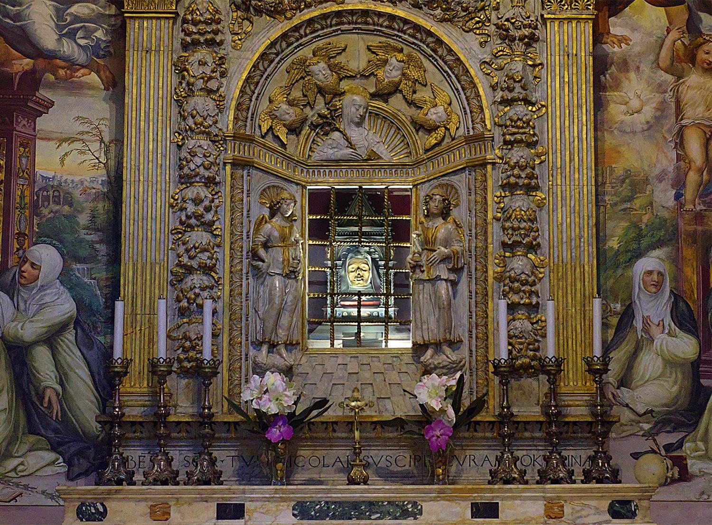 Đầu của thánh Catherine thành Siena