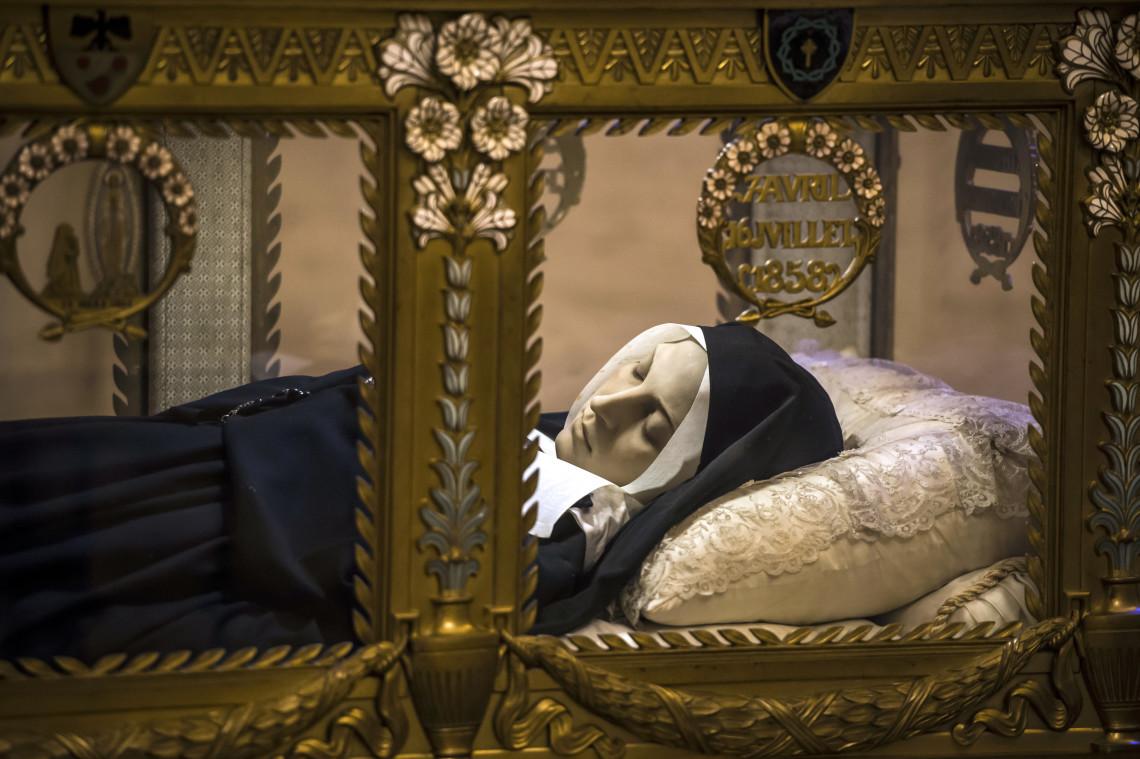 Những vị thánh thân xác vẫn nguyên vẹn nhiều năm sau khi qua đời - Ảnh minh hoạ 3