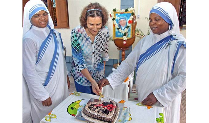 Hình ảnh lễ kỷ niệm 107 năm ngày sinh Mẹ Têrêsa Calcutta