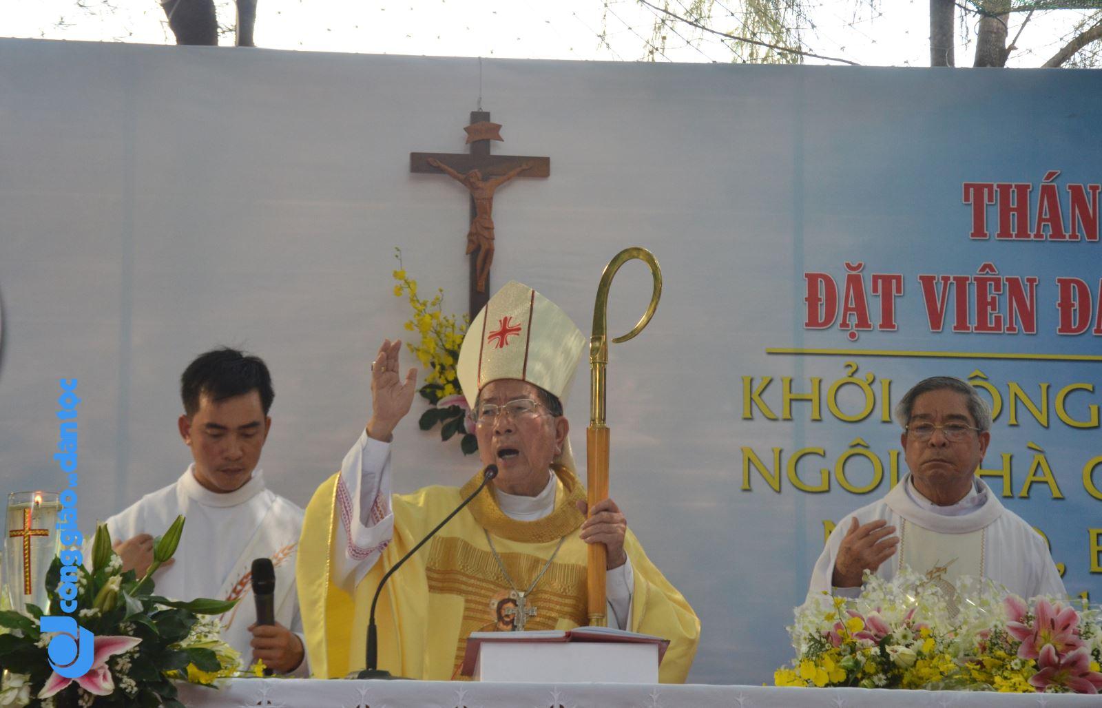 Don Bosco dung nha cho tre ngheo