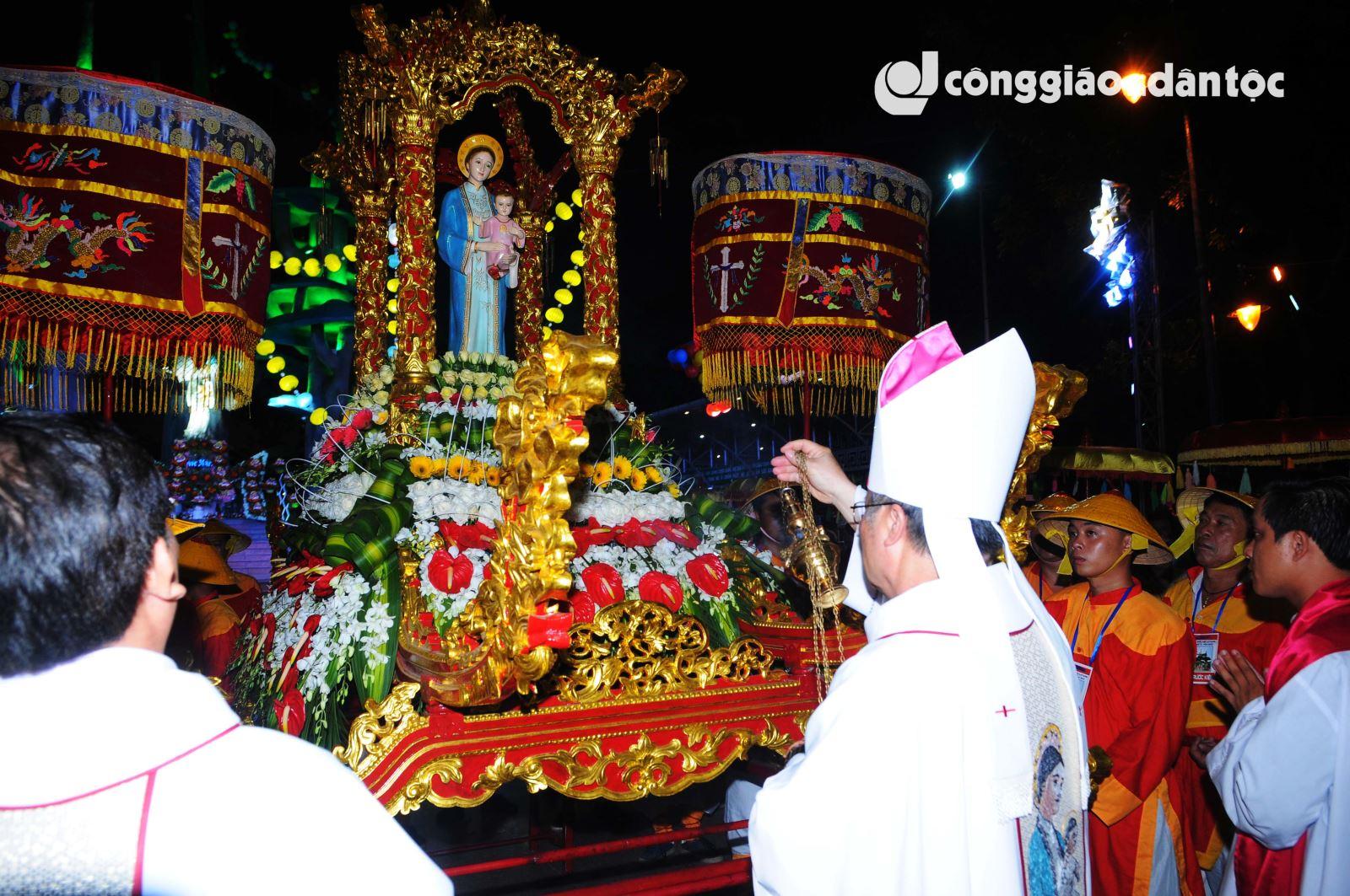 04 Cung nghinh Duc Mẹ La Vang