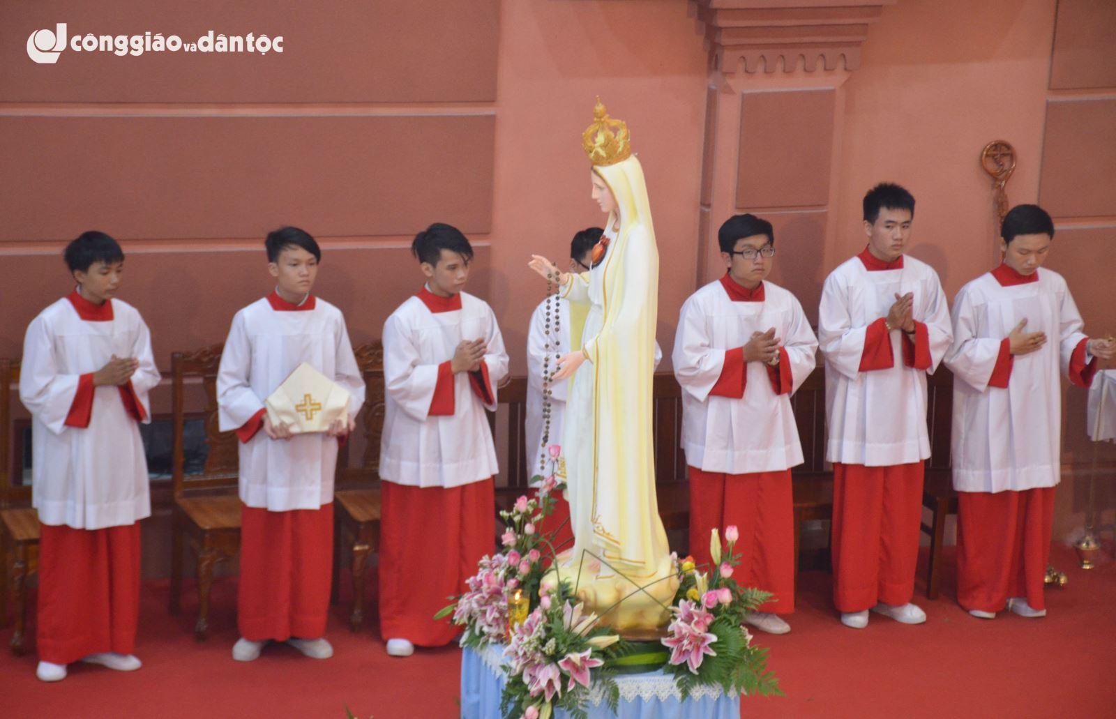 Fatima-Bình Triệu mừng 100 năm Đức Mẹ Fatima
