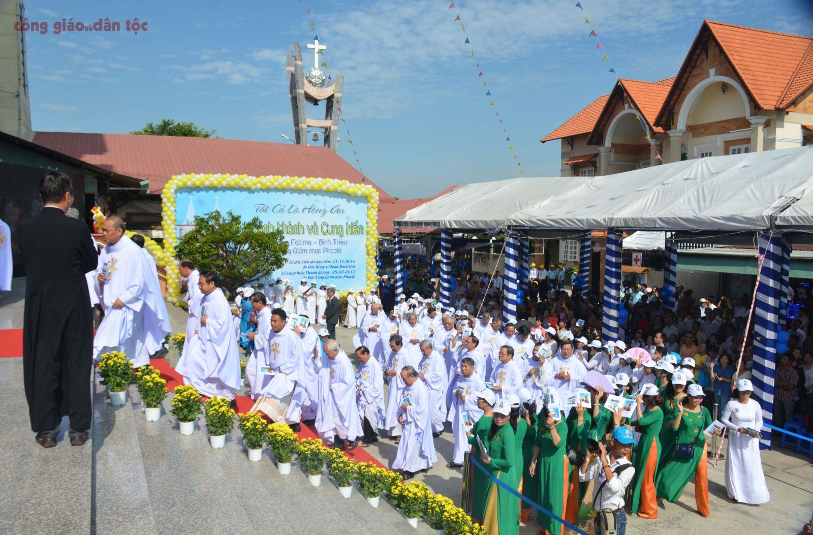 06- Khanh thanh nha tho Fatima Binh Trieu